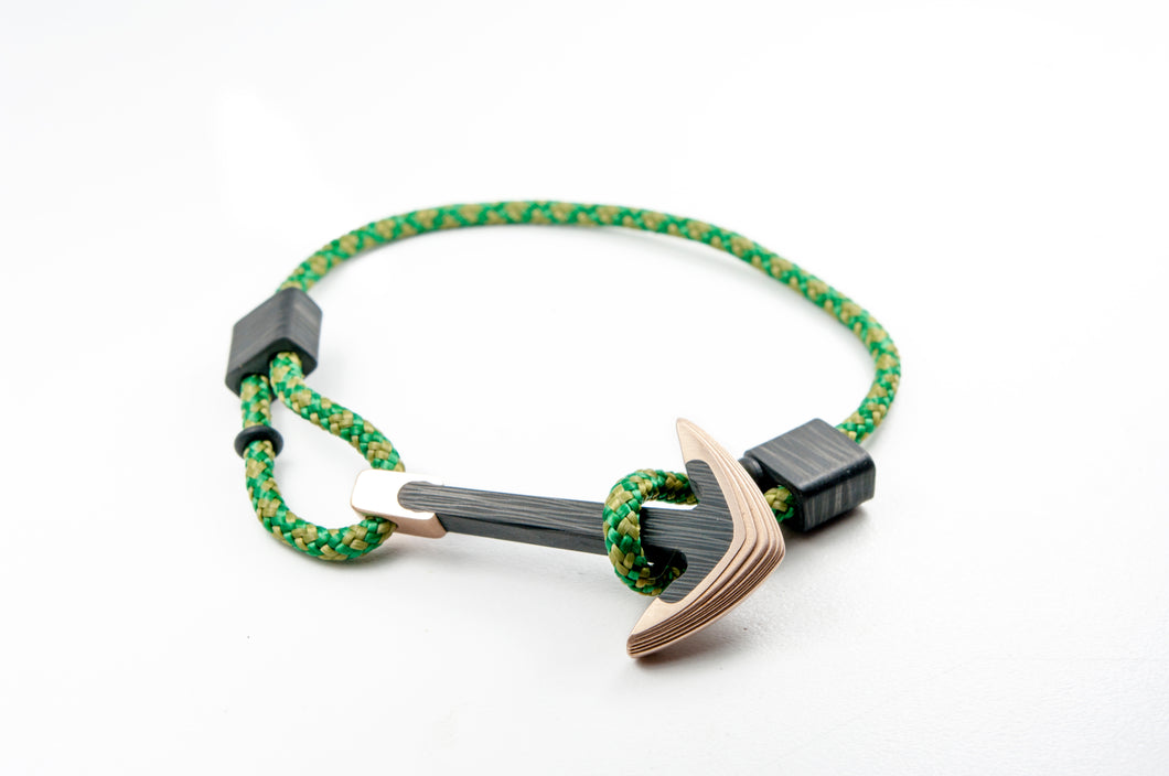Bronze / Carbon fiber anchor bracelet (survival camo paracord)