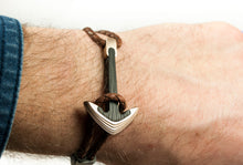 Load image into Gallery viewer, Bronze / Carbon fiber anchor bracelet (brown leather cord)
