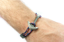 Load image into Gallery viewer, Titanium / Carbon fiber anchor bracelet (captain paracord)