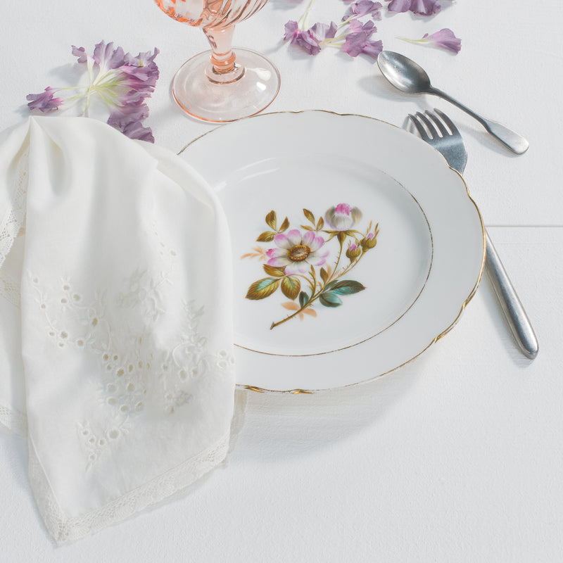 CREME, BRODERIE ANGLAISE