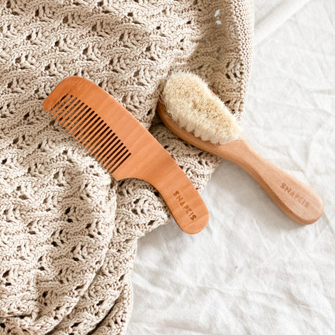 Snapkis Brush and Comb