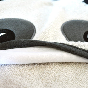 Snapkis panda hooded towel close up