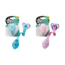 Load image into Gallery viewer, [Tommee Tippee] Closer to Nature Soother Holder - Not Too Big (Pink and Blue for baby 0 months and above)