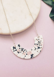 Necklace Granite Arc