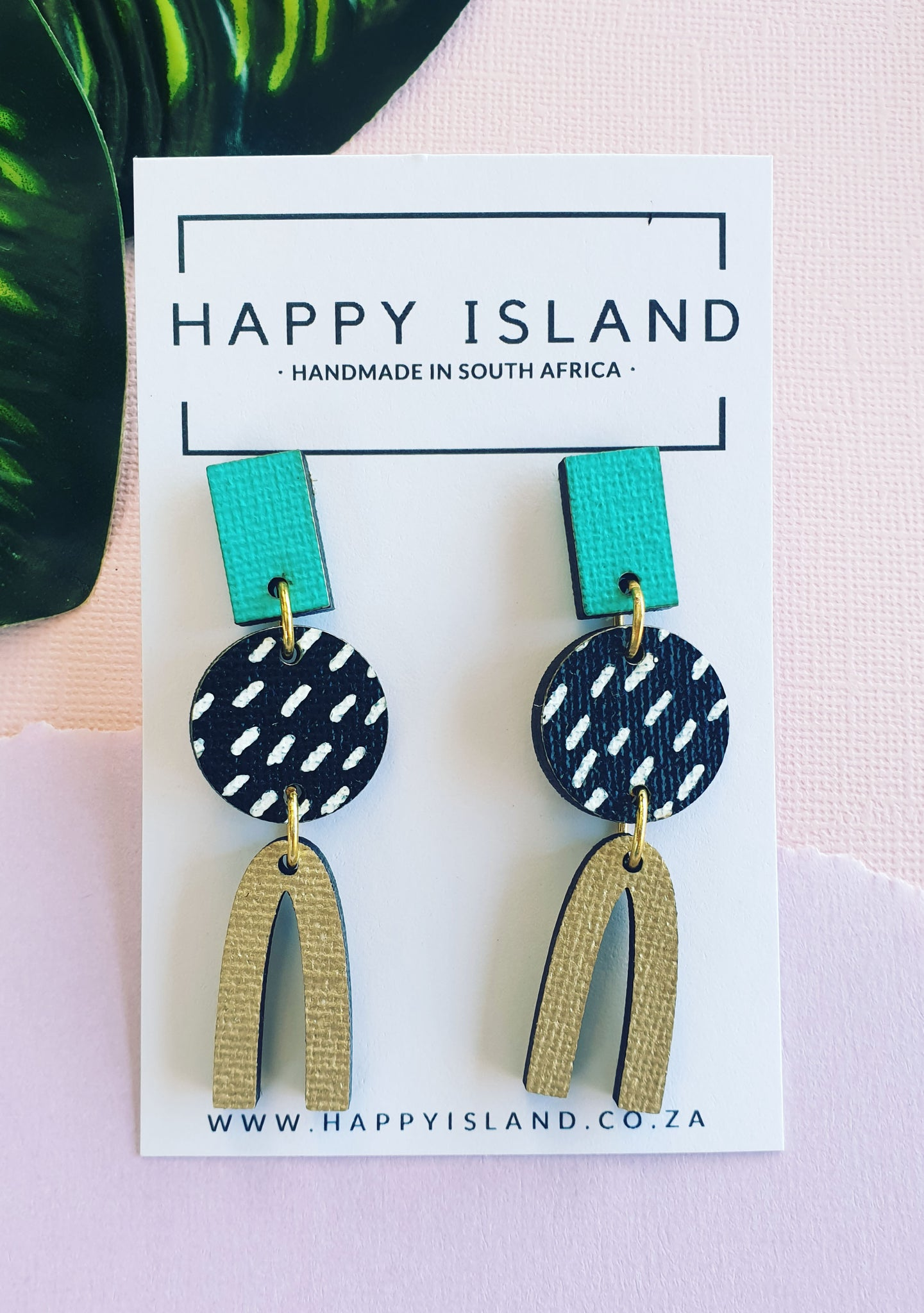 Black & White Circle Arch - HAPPY ISLAND