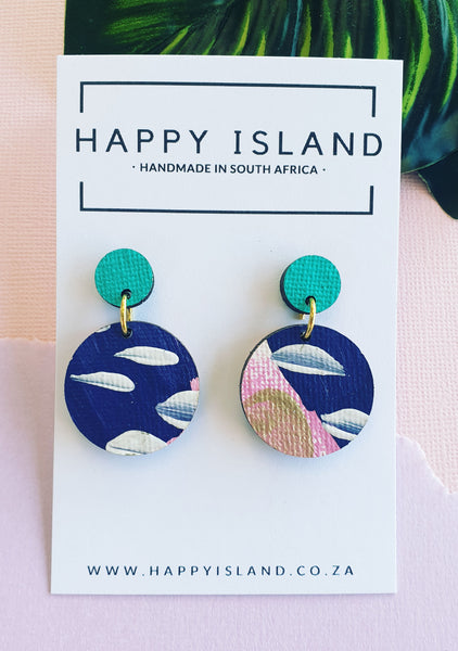Carrie Circle Dangle - HAPPY ISLAND