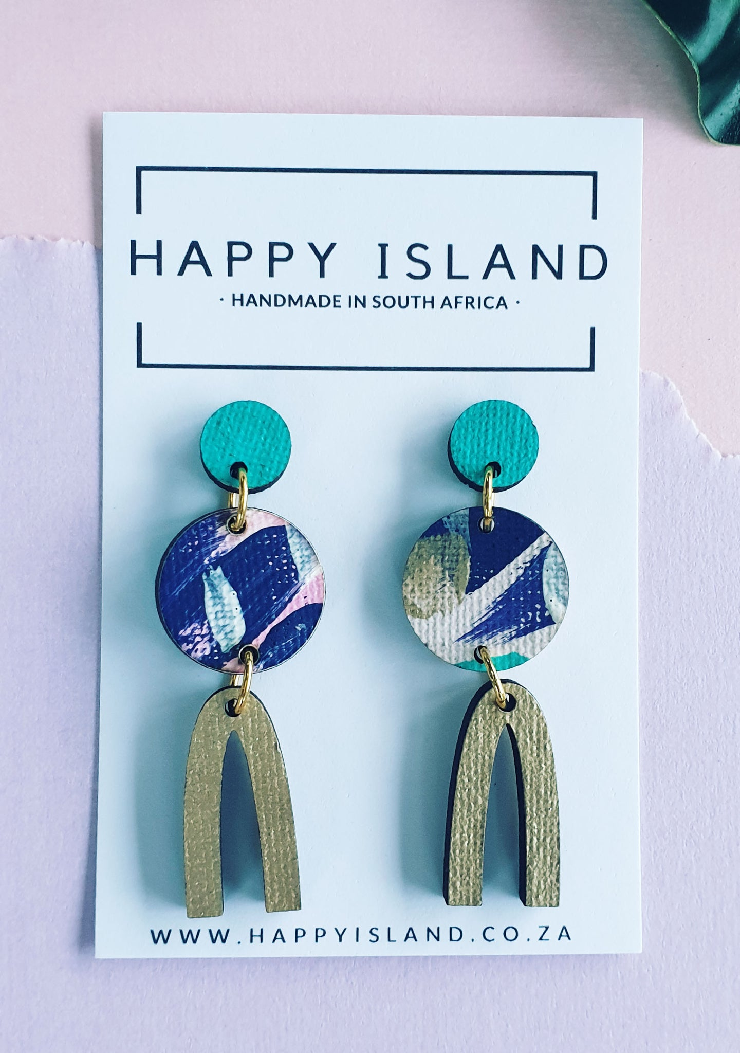 Carrie Arch Circle Dangle - HAPPY ISLAND
