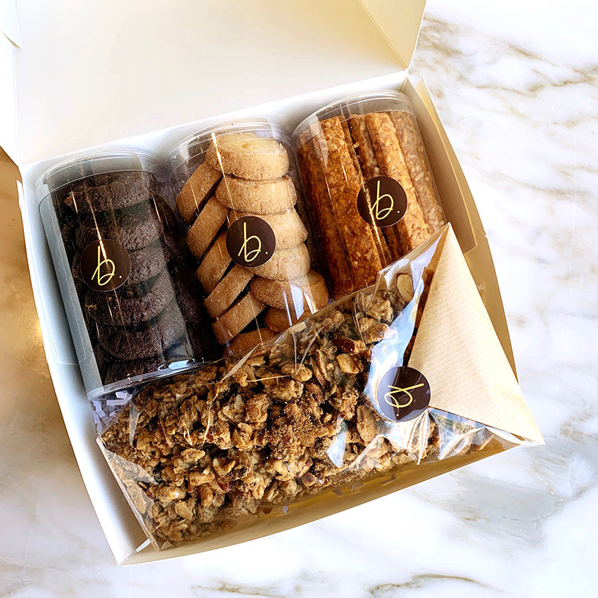B. PATISSERIE SIGNATURE TAKEAWAY BOX