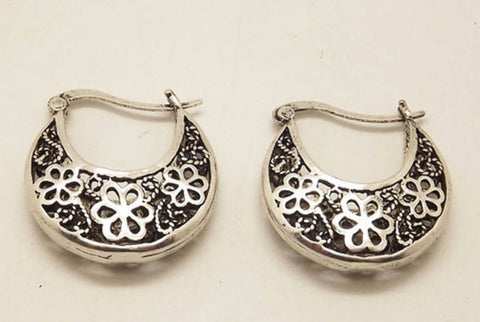 Flower filigree Silver hoop earrings