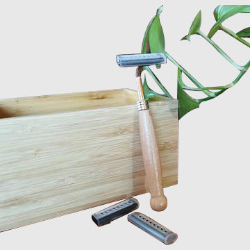 Wooden Razor (with 2 blades) - inkahaani
