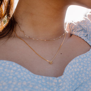 Bulging rose necklace