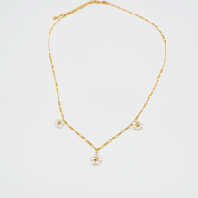 Load image into Gallery viewer, Pearl Daisy necklace