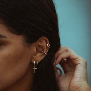 Dotted earcuff