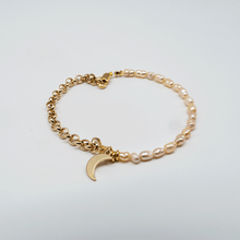 Load image into Gallery viewer, Pearl moon bracelet