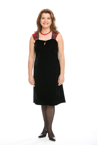 Lorna dress in velvet with Tartan Touch Red tartan
