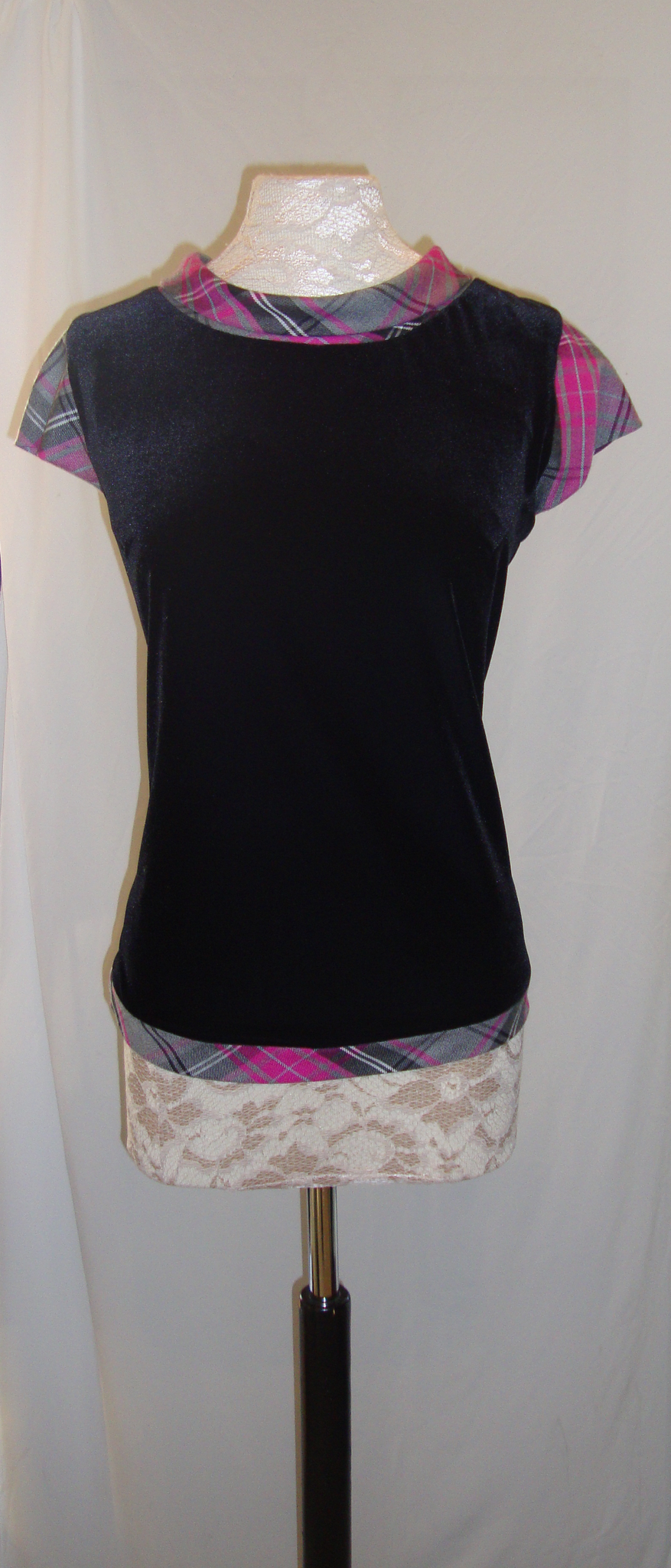 Maggie velvet top with Arran tartan trim