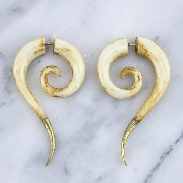 Tail Spirals Stained Bone Hangers Fake Gauges With Silver Tips