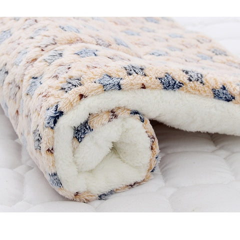 Soft Flannel Pet Dog Blanket Mat Winter Thick