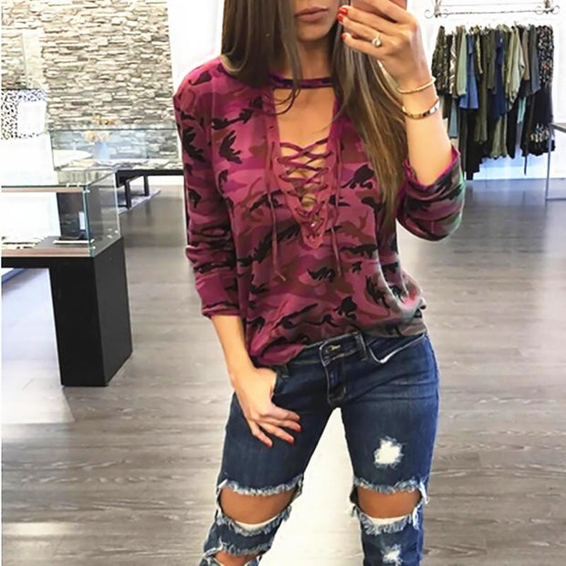 Camouflage low-cut cutout long-sleeved T-shirt
