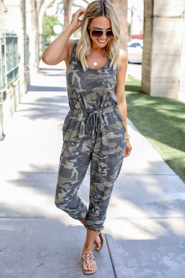 Sleeveless camouflage vest drawstring jumpsuit