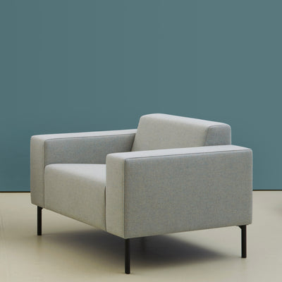 Hitch Mylius HM18 Origin Armchair Black Legs