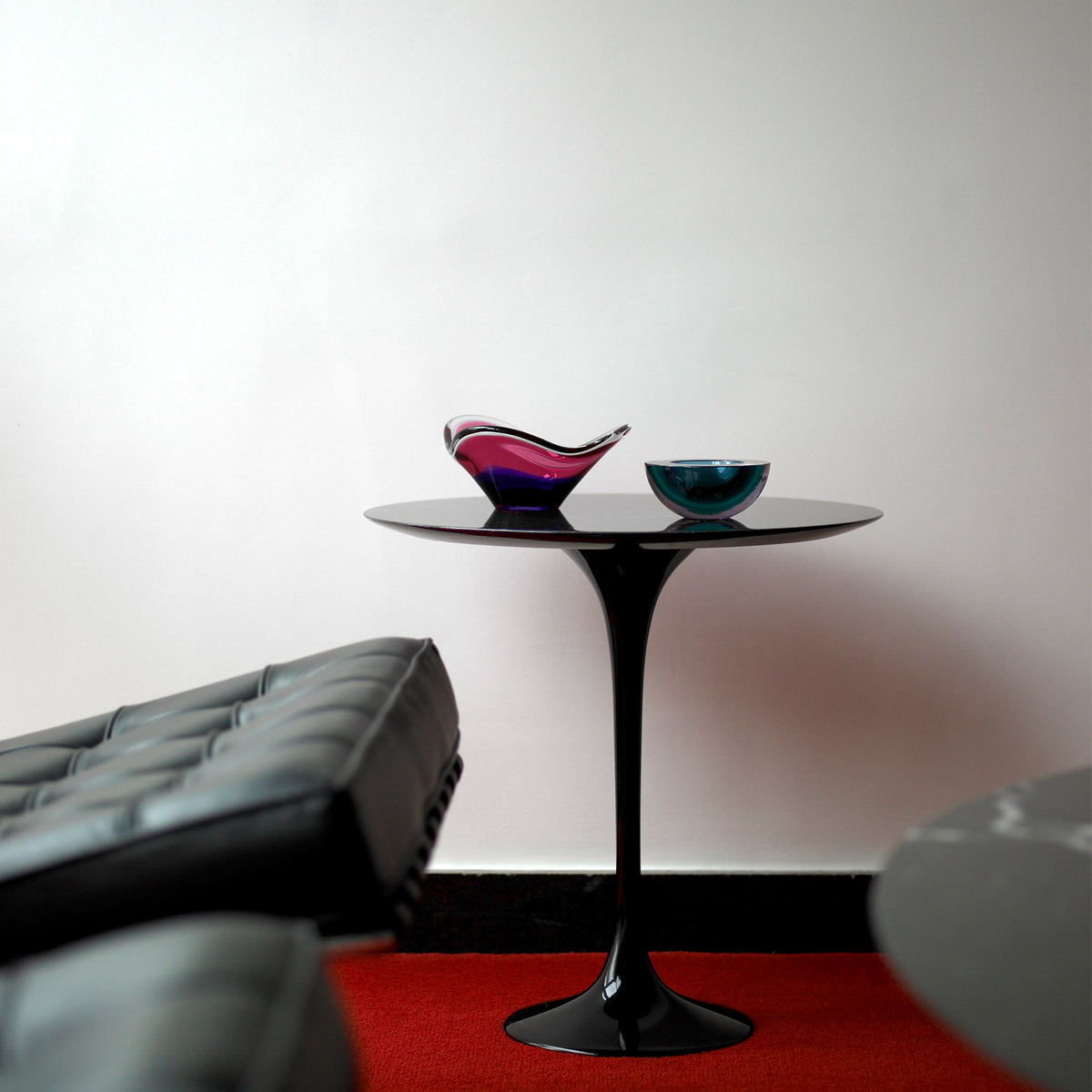 Knoll Office Saarinen Tulip Nero Maquina Marble Table