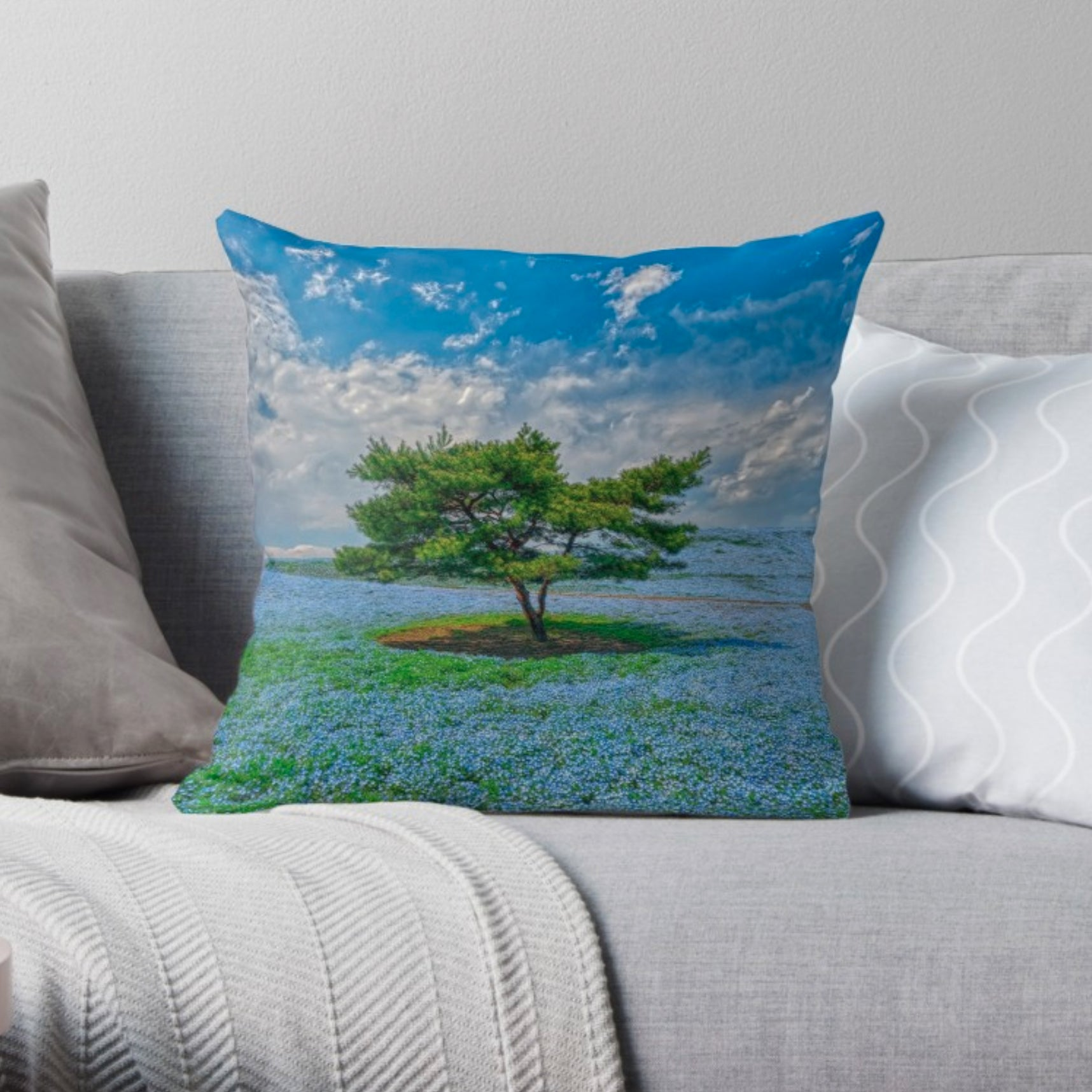 Luxury Decorative Pillow - The Beauty of Spring (Limited Edition)