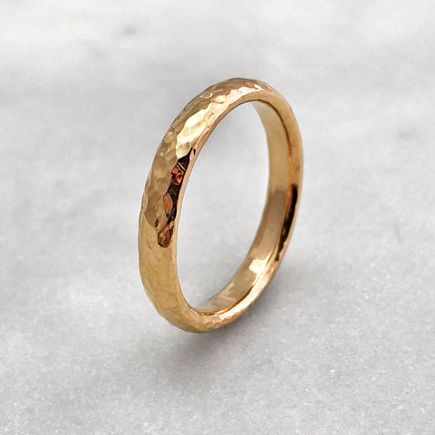 3.1mm Hammered 18ct Gold Band