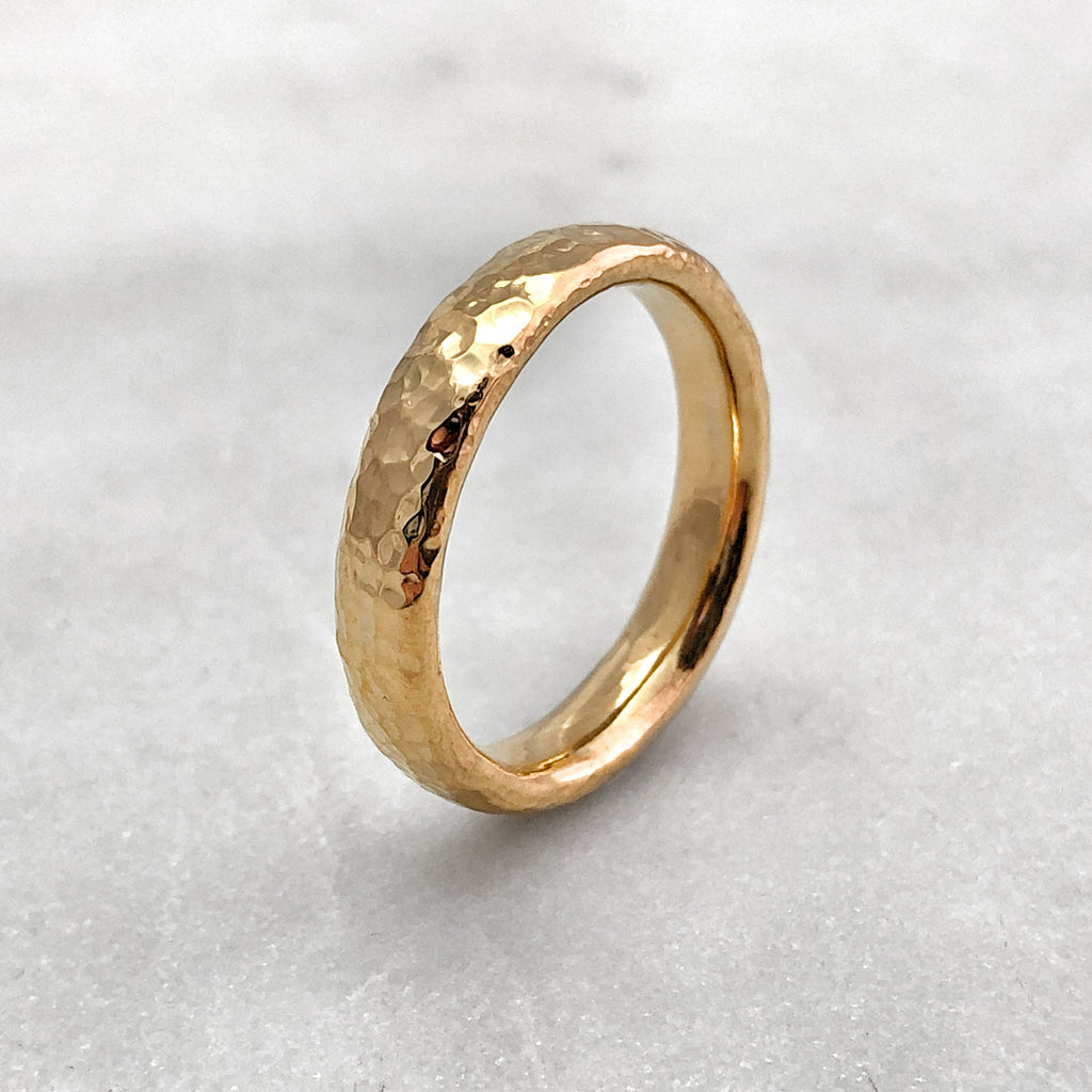 4.6mm Hammered 18ct Gold Band