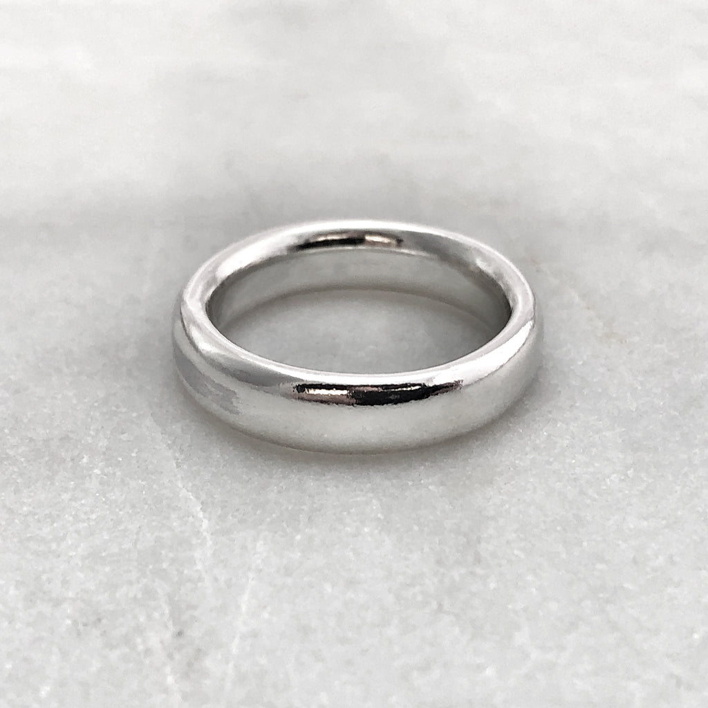 5.6mm Polished Silver Band