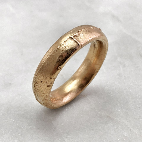 5.6mm Rustic 9ct Gold Band