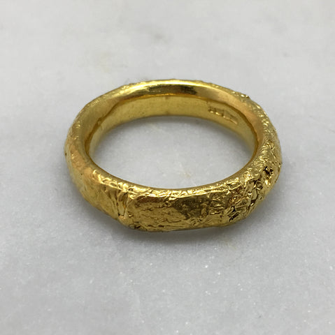 Crush Gold 6mm Ring