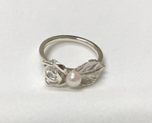 Load image into Gallery viewer, Rose Leaf with Pearl Ring in Sterling Silver
