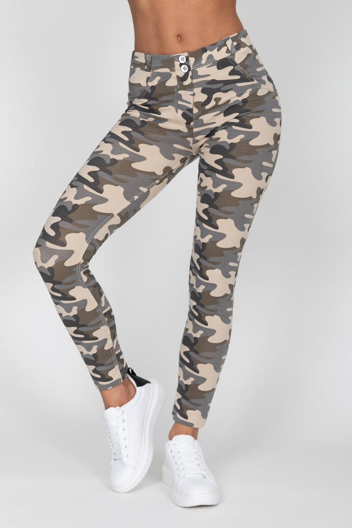 Camo Light Mid Waist Jegging