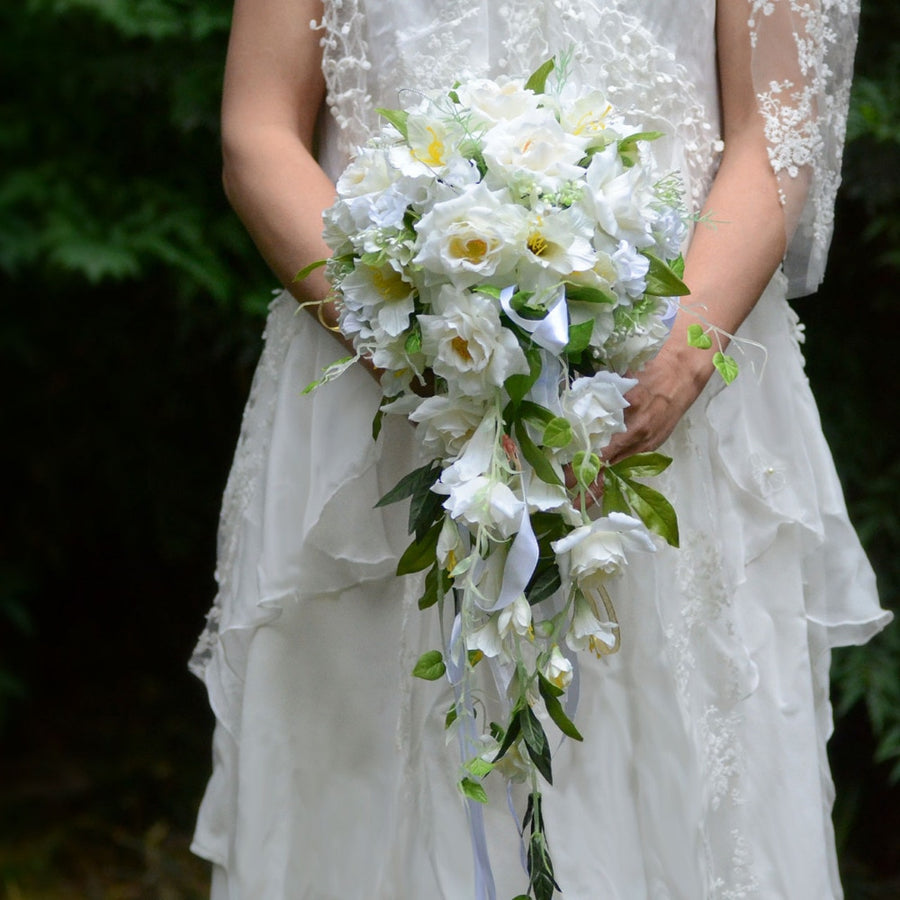 White Waterfall Elegant Wedding Bouquets Artificial Cala Lily