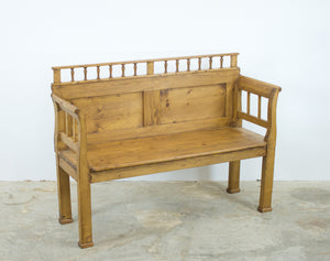 Farmhouse Pine Settle Bench