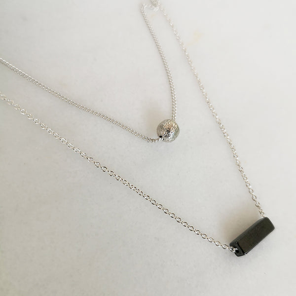 2 Layers Necklace in minimal style