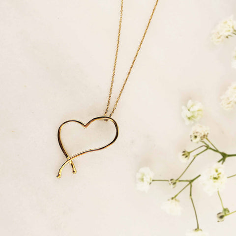 Minimal Necklace with a dainty heart! Sterling silver 925