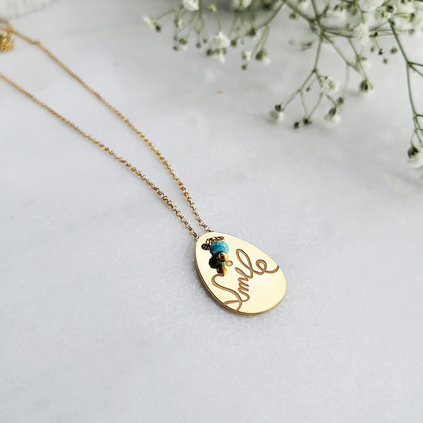 Dainty Boho Necklace with the word smile engraved !