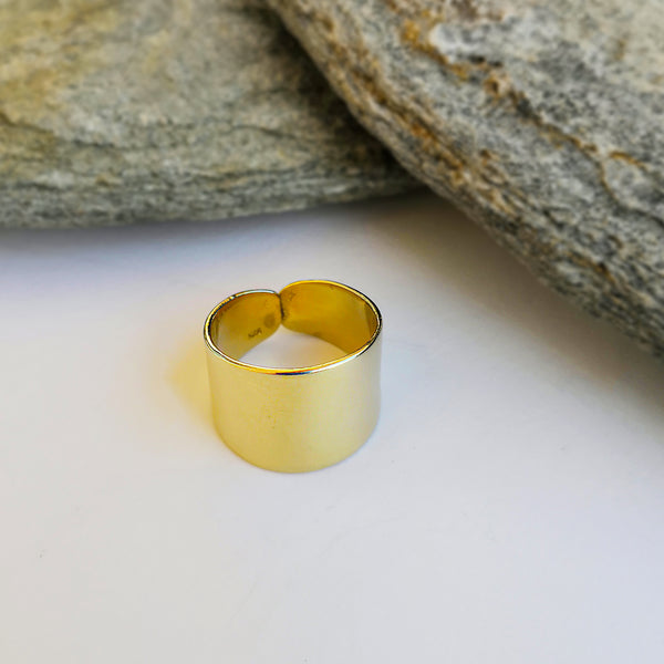 Big Gold Ring with a shiny finish - Silver 925