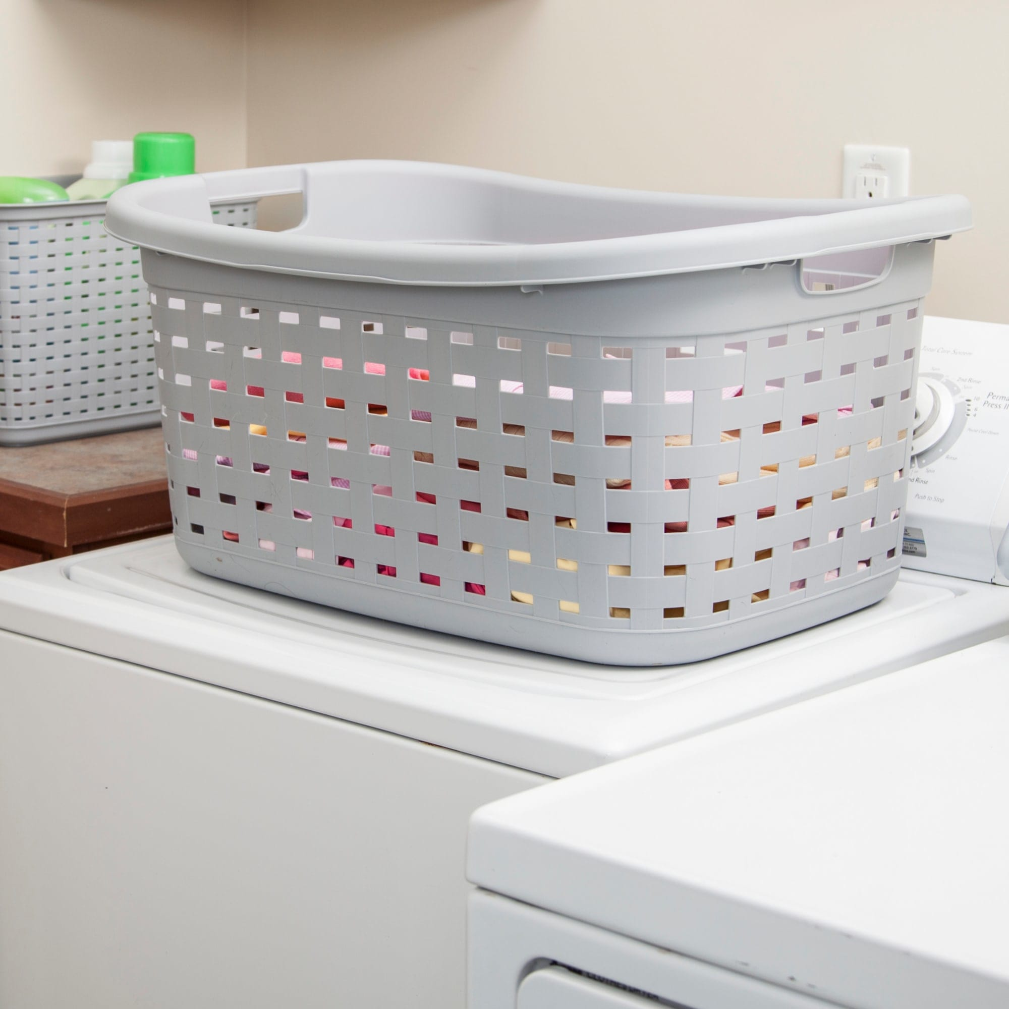 Sterilite Weave Laundry Basket / Cement