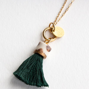 MINI TASSEL NECKLACE MONSTERA