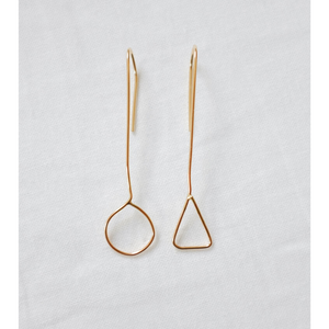THE ASYMMETRIC EARRINGS GOLD FILL