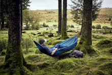 Load image into Gallery viewer, MAN SITTING IN TRAVEL HAMMOCK