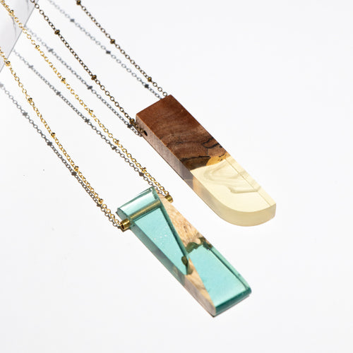 FREEFORM RESIN + WOOD NECKLACE