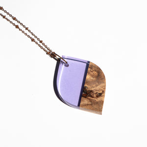 LEAF RESIN + WOOD NECKLACE C