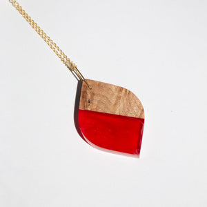 LEAF RESIN + WOOD NECKLACE D