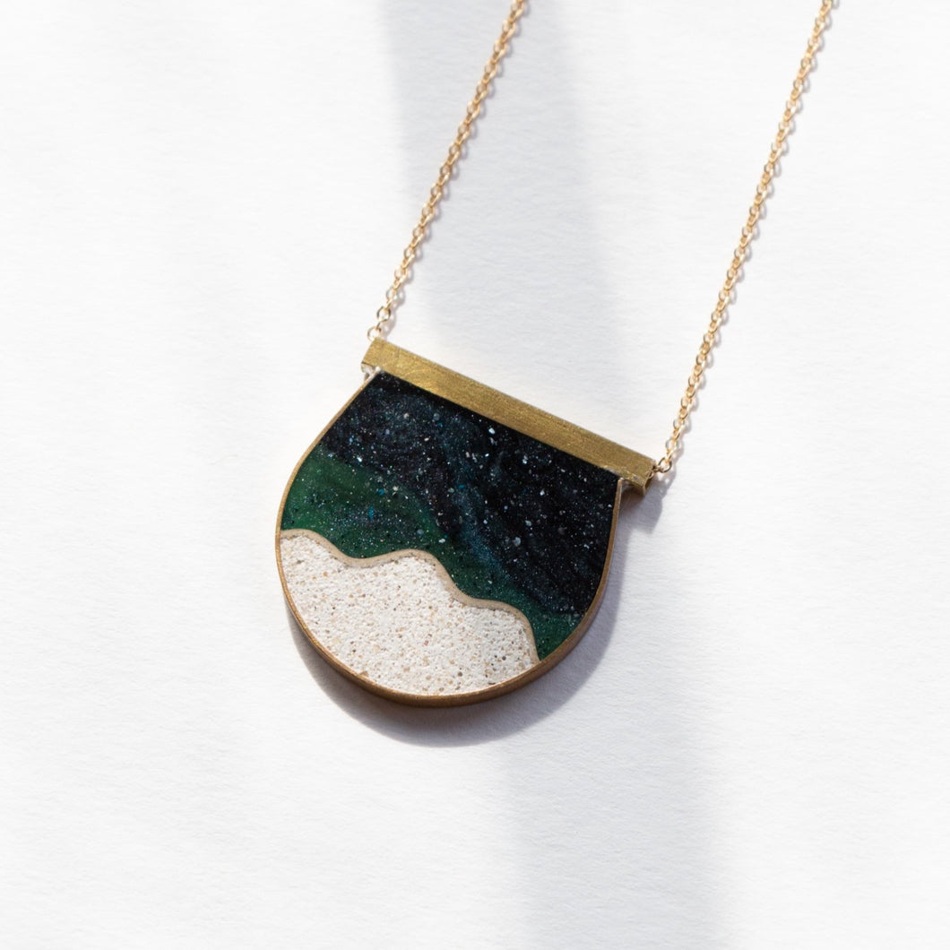 MEDIUM MOONSCAPE NECKLACE