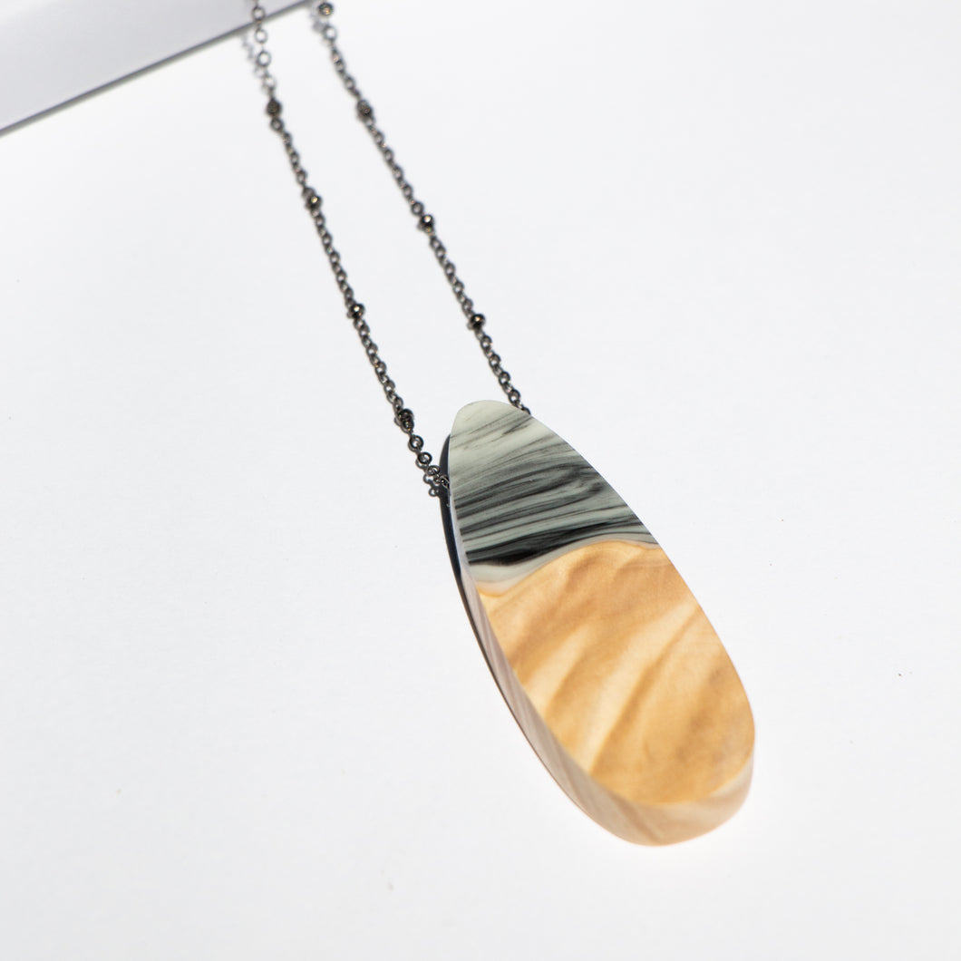TEARDROP RESIN + WOOD NECKLACE A