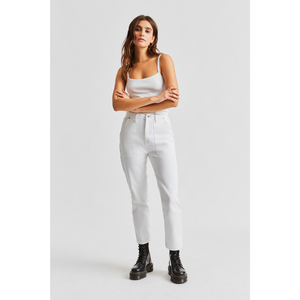 WOMAN WEARING JANIE CARPENTER PANT